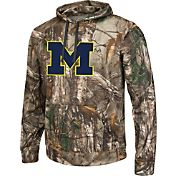 Colosseum Athletics Men's Michigan Wolverines Camo Breech Pullover Hoodie
